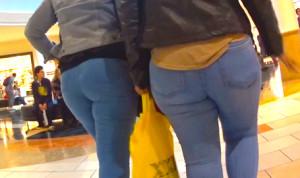 Latina MILF with daughter