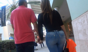 Latina MILF at mall