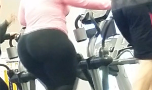 Ultra Donk BBW in pink! 2 videos (cellphone capture)