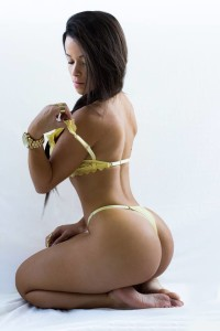 Anchieta-Bianca-Booty-brazil-thong