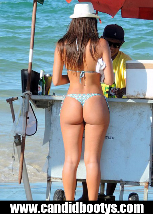 bubble-butt-and-beach-thong
