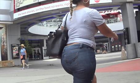 Mega Donk In Jeans