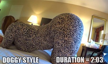 Leopard print round cake